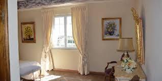 chambre d hote aureille le balcon des alpilles aureille chambres d hôtes bouches du rhône