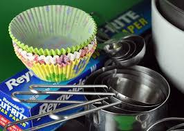 cupcake baking 101 10 cupcake baking essentials bake happy