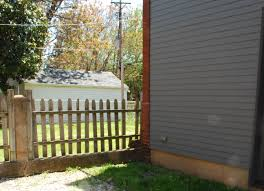 how to build a privacy fence in half a day apartment therapy