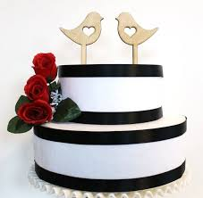 the top 10 best blogs on wedding cake topper