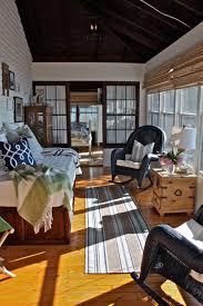 deco maison rustique la veranda moderne transformée en coin de sommeil estival design