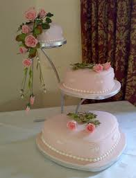 heart shaped wedding cakes focusing on a heart shaped wedding cake weddings engagement