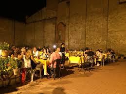 fienile fluo bologna agriturismi cortili e terrazze dove mangiare nel bolognese con