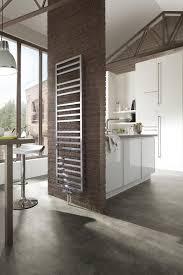 seche serviette cuisine installer un radiateur sèche serviettes galerie photos de dossier
