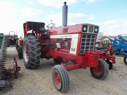 85hp international 766 tractor from 40 years ago competed against