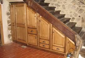 cuisine sous escalier cuisine sous escalier amazing rangement dclic dimensions