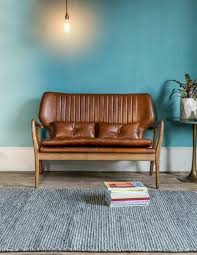 peinture pour cuir canapé on met l accent sur la couleur de peinture pour salon archzine fr