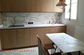 cuisine marbre blanc plan travail marbre cuisine avec plan de travail en silestone blanc