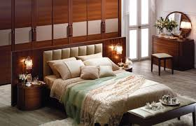 Decorating Small Bedrooms On A Budget by Small Bedroom Decorating Ideas On A Budget Dark Brown Fur Rug