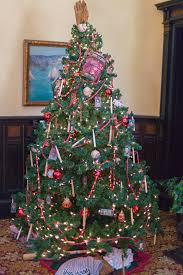 pictures of victorian christmas trees christmas lights decoration