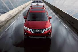 crossover nissan first pictures the 2017 nissan pathfinder is a refreshed and