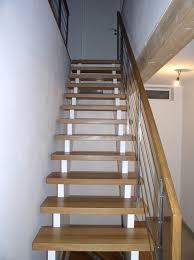 aufgesattelte treppen aufgesattelte treppe in eiche geölt und weiß mit seilgeländer