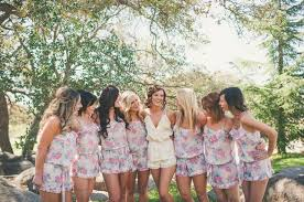 bridesmaid pajama sets 10 gift ideas for your bridesmaids it weddings