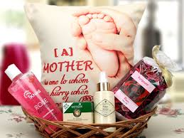 Mother S Day Gift Baskets 12 Gorgeous Gift Hampers For Mothers Day Parenting Idiva