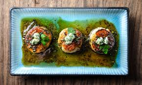 gastrique cuisine scallops with a honey parsley gastrique and blue cheese diversivore