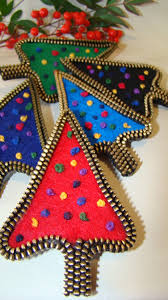 felt and zipper christmas tree brooches brass colored zippers