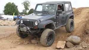 jeep jku lifted zone offroad pa jeeps show jk live lift install youtube