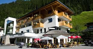 holidays in the 3 star superior hotel tannenhof in ischgl