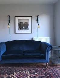 Blue Sofa Living Room Design by Best 25 Blue Velvet Sofa Ideas On Pinterest Navy Blue Velvet