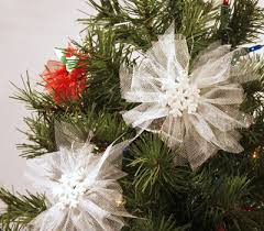 decorating christmas tree with tulle how to decorate a christmas