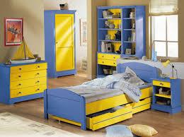 chambre jaune et bleu ensemble meubles chambre pour enfant camille léon finition jaune et bleu