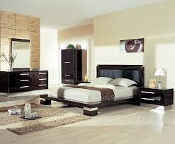 Wenge Bedroom Furniture Wenge High Gloss Finish Modern Bedroom Set W Silver Accents