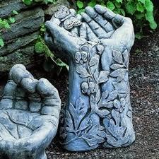 idea to make hypertufa using rubber garden gloves leaves