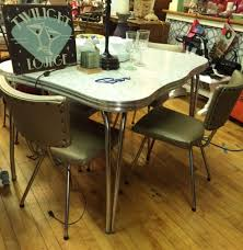 S Chrome And Aluminum Kitchen Table With  Chairs Vintage - Chrome kitchen table