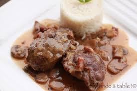 cuisiner joue de porc joue de porc aux chignons tout le monde à table