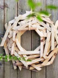 Diy Outdoor Lawn Christmas Decorations 20 Winter Wreaths U0026 Door Decorations You Can Display All Season