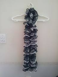 3 shades of pink ruffle scarf lincraft elicia ruffle yarn by