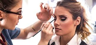 learn makeup artistry how to apply friendly makeup for men and women