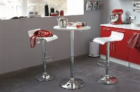tables rondes de cuisine table ronde de cuisine table a manger carree maisonjoffrois