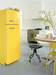 cuisine jaune citron cuisine jaune citron je fouine tu fouines il fouine nous
