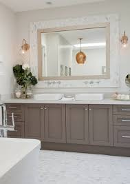 paint color of vanity cabinets