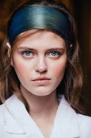 How To Wash Hair Color Out - paris fashion week fall 2017 beauty trends you can buy now