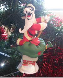 on the 3rd day of 2013 i decorated my tree with goofy