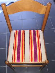 refaire l assise d une chaise comment recouvrir une assise de chaise byseverine