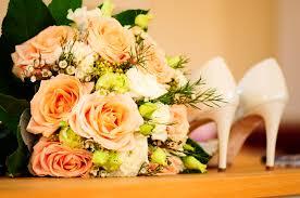 Gambar menanam daun bunga kuning pernikahan Budidaya Bunga