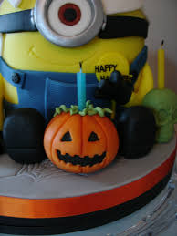Halloween Birthday Cakes Pictures by Halloween Minion Shape Fondant Cake Cakecentral Com