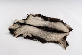 pouf en peau de vache peau de chèvre régionale norki spécialiste peau fourrure de