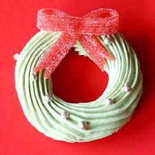 christmas wreath meringues the scran line tastemade