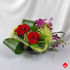 ta florist table centerpiece from your montreal florist the flower pot