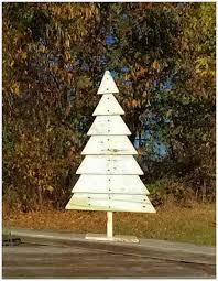 pallet christmas tree wood pallet christmas tree