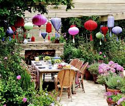 Outdoor Entertaining Spaces - gracious outdoor dining and entertaining traditional home