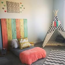 modele de chambre fille 1001 idées pour aménager une chambre montessori