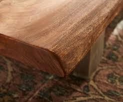 Wohnzimmertisch Niedrig Couchtisch Live Edge 165x60 Akazie Braun 4 Metallfüße Baumkante