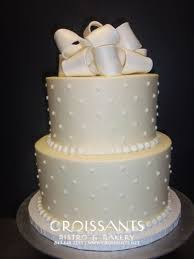 classic wedding cakes simple 2 tier classic wedding cake croissants myrtle