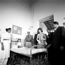 st 117 9 62 first lady jacqueline kennedy visits children at