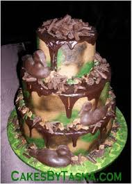 camoflage wedding cakes with red ribbon food and drink